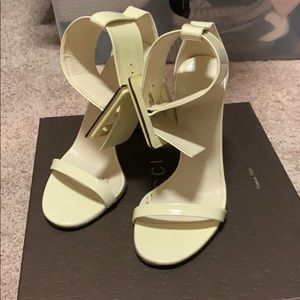 Gucci Victoire buckled Patent Leather
